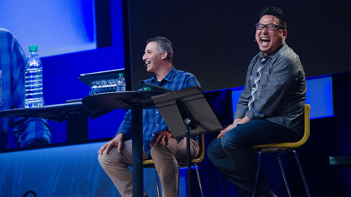 Men's pastor Tom Kang interviewing former New York Yankee Andy Pettitte at Saddleback Church's Man Up meeting. (Saddleback Church)